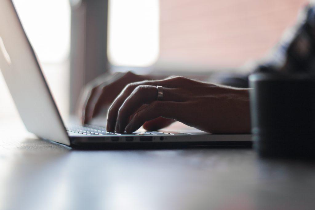Výhody a nevýhody nakupovania cez internet