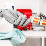 Ste pripravení na jarné upratovanie? Čo budete potrebovať a ako na to
