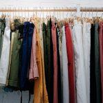 Ako sa starať o oblečenie, aby vám vydržalo čo najdlhšie?